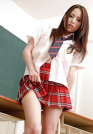 Asian Schoolgirl Butts Pics