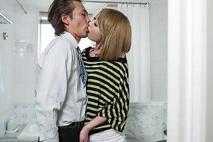 Asian Kissing Pics