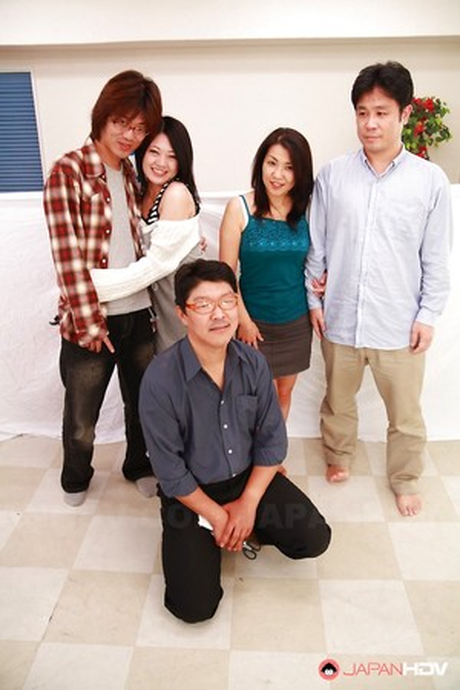 Huge Asian Orgy Pics